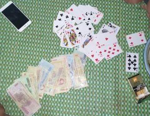Đăk Lăk: Bắt quả tang 4 con bạc tụ tập sát phạt ăn tiền tại huyện Krông Năng