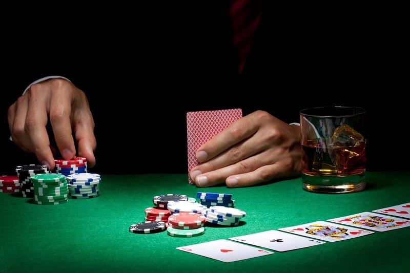 Hướng dẫn kiếm tiền từ poker - Cách chơi poker kiếm tiền online