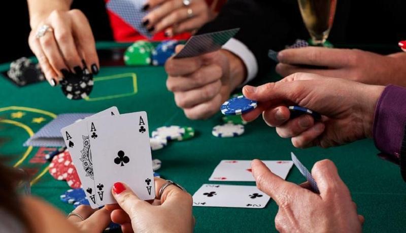 Tổng hợp 4 Game Poker miễn phí, dễ kiếm tiền nhất 2020