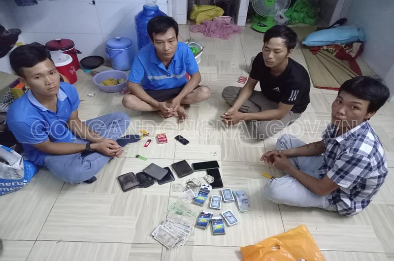Đồng Nai: Đánh sập ổ nhóm đánh bạc trong phòng trọ tại huyện Nhơn Trạch