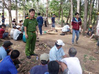 Bắt quả tang 36 đối tượng tụ tập đá gà ở vườn sao tại TP Long Xuyên