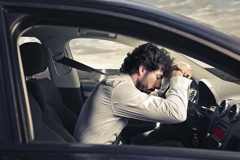 Nằm mơ thấy lái ô tô đánh số gì? Giải mã giấc mơ